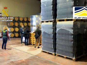 Detienen e investigan a 120 personas por fraude alimentario en una operación de la Guardia Civil en colaboración con la Europol