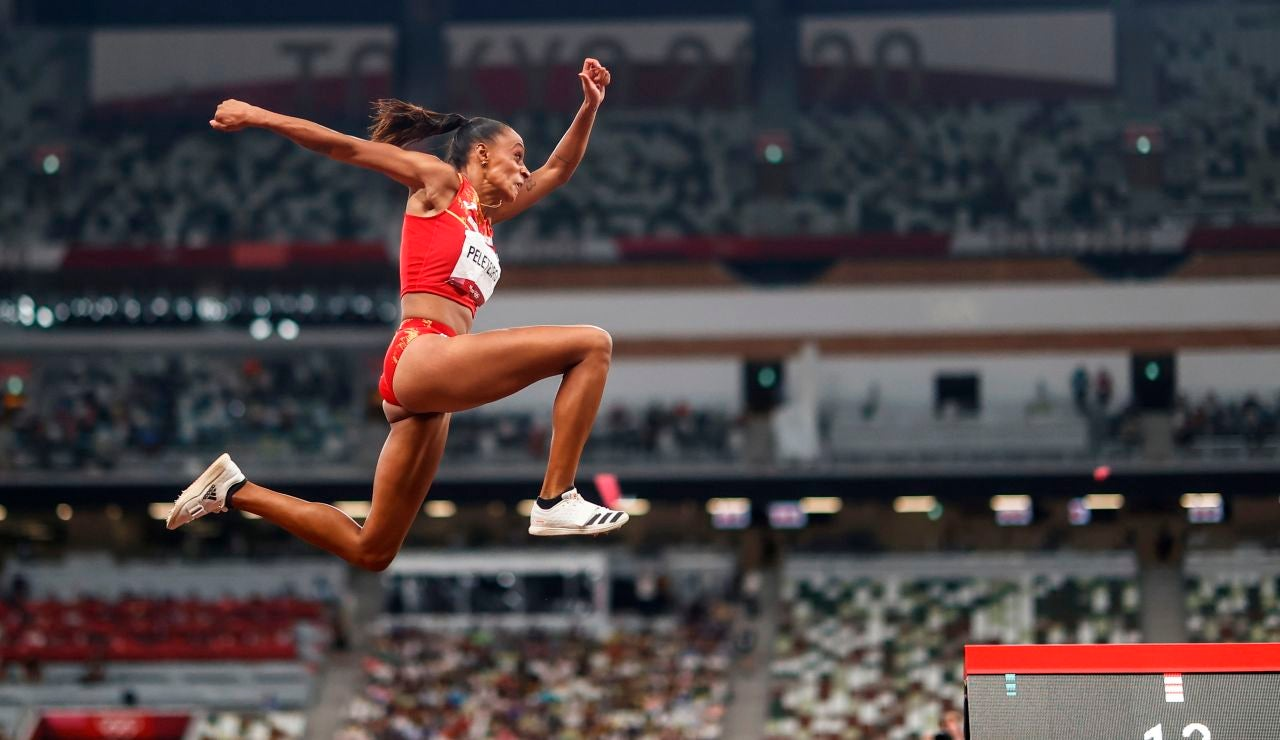 Ana Peleteiro se cuelga el bronce en triple salto y consigue el récord de España