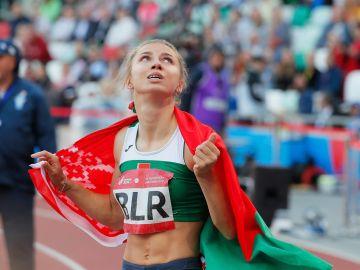 La atleta bielorrusa Tsimanouskaya pide asilo después de criticar a su país y que la obligaran a regresar