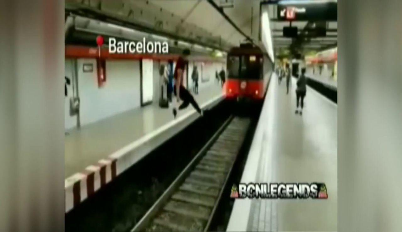 chico metro barcelona