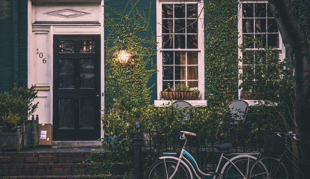 Los trucos que utilizan los ladrones en verano para saber si las casas están vacías