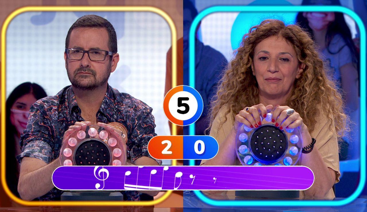 Sofía se sumerge en 'La Pista' y gana a Marco Antonio tras muchos errores