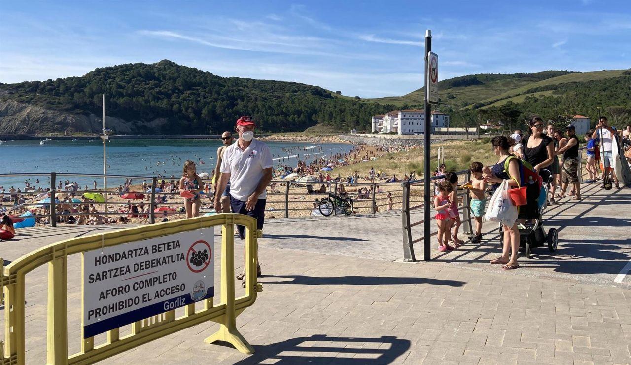 La mascarilla solo será obligatoria en playas y piscinas de País Vasco si no se puede mantener la distancia de seguridad