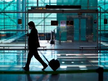 """La oposición rechaza la inversión de 1.700 millones de euros en el aeropuerto El Prat y acusan al Gobierno de """"premiar al separatismo"""""""