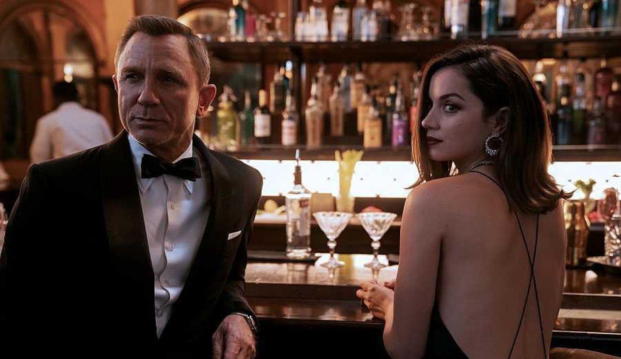 Ana de Armas y Daniel Craig en 'Sin tiempo para morir'