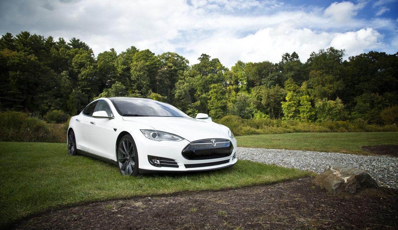El piloto automático de un Tesla salva a un conductor dormido al volante