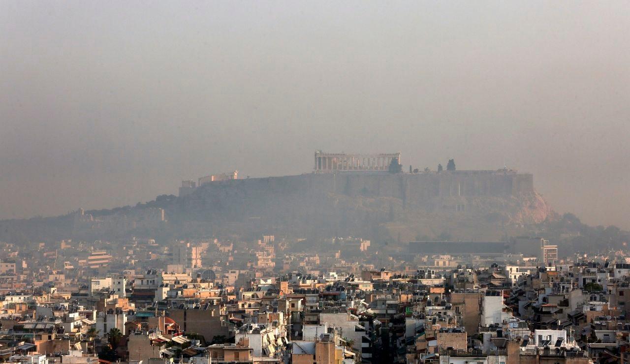 El fuego se acerca a Atenas