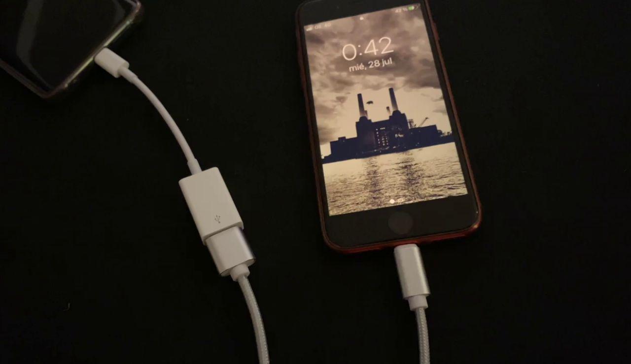 ¿Cómo compartir la batería de tu móvil?