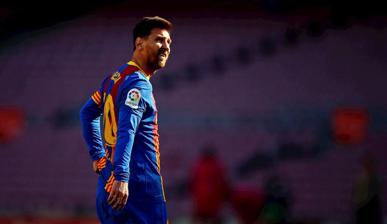 El jugador del FC Barcelona Leo Messi durante el partido de Liga que su equipo disputa ante el Atlético de Madrid esta tarde en el Camp Nou de Barcelona