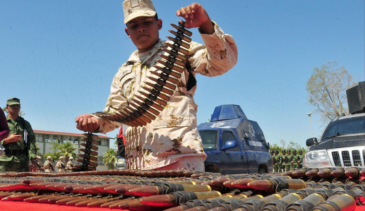 """México demanda a Estados Unidos por el """"valor incalculable"""" del daño sufrido por el tráfico ilegal de armas"""