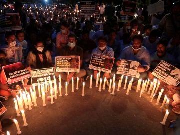 Protestas en India por el asesinato de una niña de 9 años de la casta dalit, violada y quemada