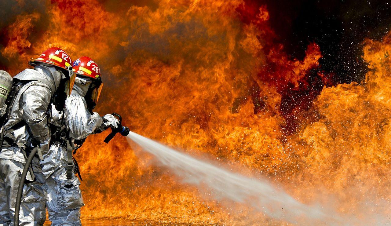 La ola de calor aviva los incendios en Grecia, Turquía, Italia y Macedonia que avanzan sin control