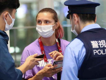 La atleta bielorrusa Tsimanouskaya teme por la seguridad de sus padres