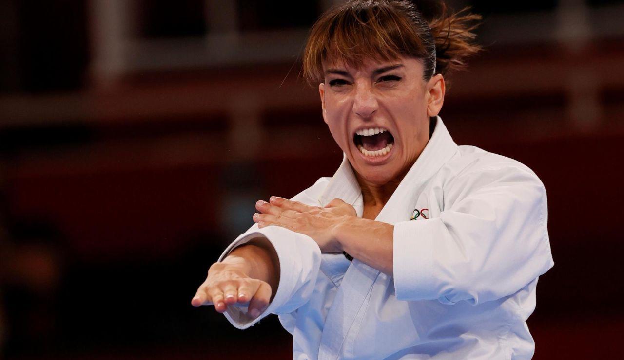 Sandra Sánchez lucha por el oro en la final de kárate kata de los Juegos Olímpicos
