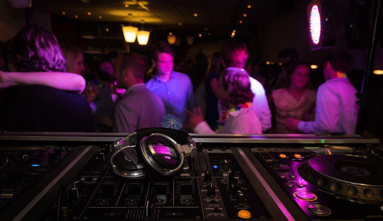Ibiza contrata a infiltrados para detectar fiestas ilegales y avisar a los agentes