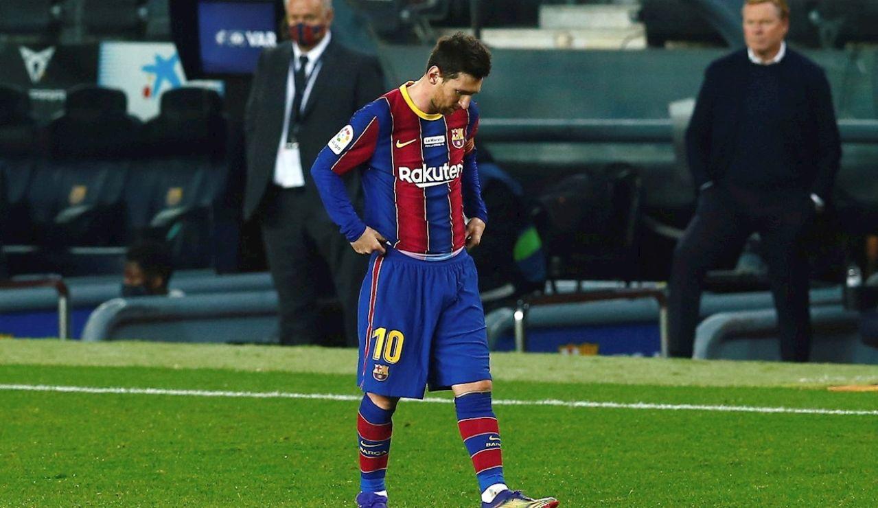 El delantero del FC Barcelona Leo Messi, durante el partido de la decimocuarta jornada de LaLiga Santander ante el Valencia disputado este sábado en el Camp Nou, en Barcelona.