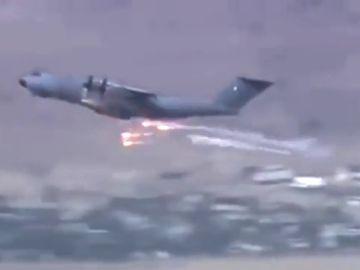 Aviones franceses lanzan bengalas antimisiles para evitar ser derribados en el aeropuerto de Kabul