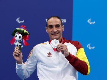El nadador barcelonés Miguel Luque ha logrado la primera medalla para la delegación española en los Juegos Paralímpicos de Tokio (Japón) al colgarse la plata en la prueba de los 50 metros braza, clase SB3 de discapacitados físicos.