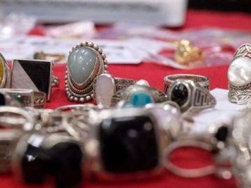 Más de 2.000 joyas sin dueño se subastarán en Madrid a falta de ser reclamados en la Oficina de Objetos Perdidos