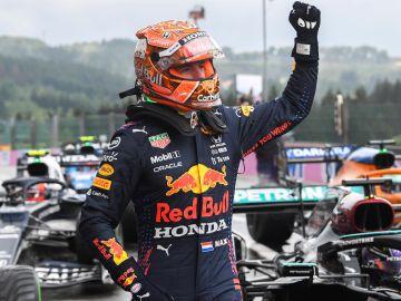 Verstappen saldrá primero, por delante de Russell, en el GP de Bélgica; Carlos Sainz 13º y Fernando Alonso 14º
