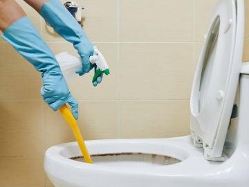 Limpieza de inodoro