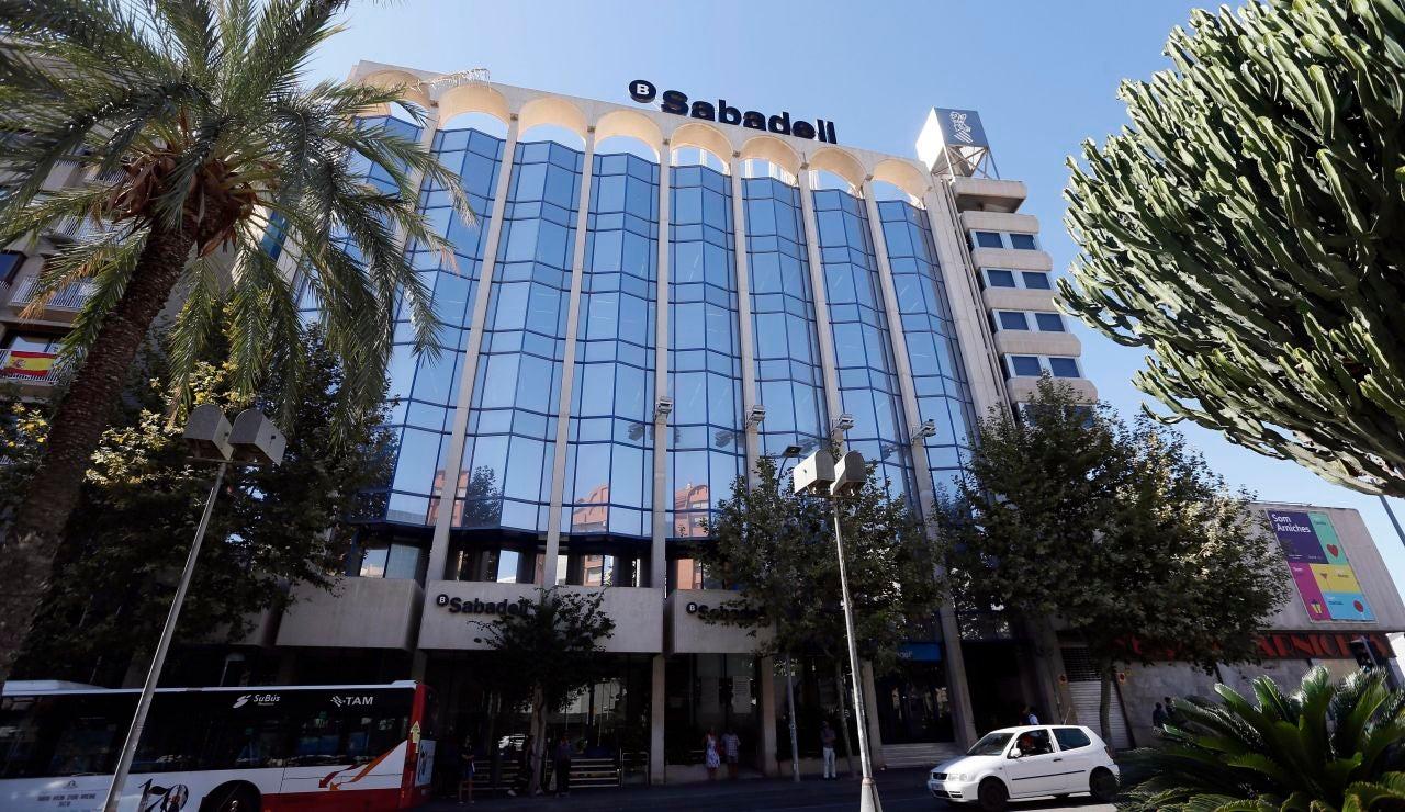 Banco Sabadell anuncia un ERE a sus trabajadores