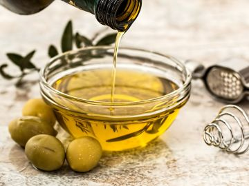 El aceite de oliva caduca, consejos de mantener sus propiedades