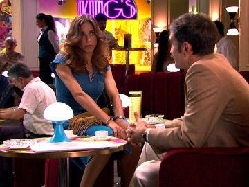 Raúl, preocupado por la empresa familiar y Coral, indignada con los preparativos de la boda