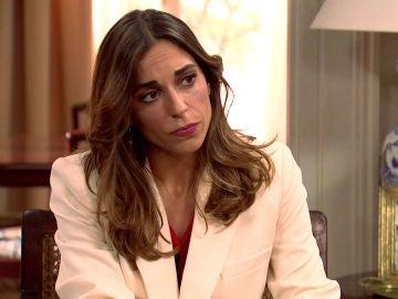 Coral, decepcionada con Raúl tras un enfrentamiento con Carmen por el controvertido vestido de novia