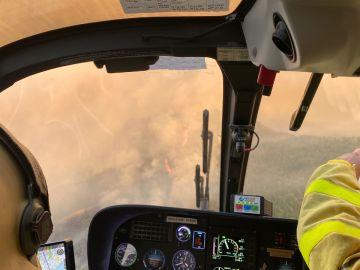 Un helicóptero cegado por el polvo sufre un accidente en el incendio de Sierra Bermeja con 19 personas a bordo