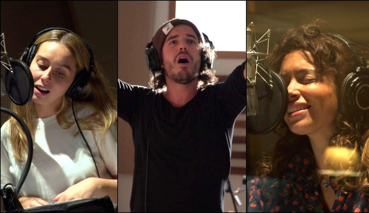 Nos colamos en el estudio de grabación con Paula Usero, Carol Rovira y Roi Méndez: ¡así se grabó la canción que cierra la cuarta temporada de #Luimelia!
