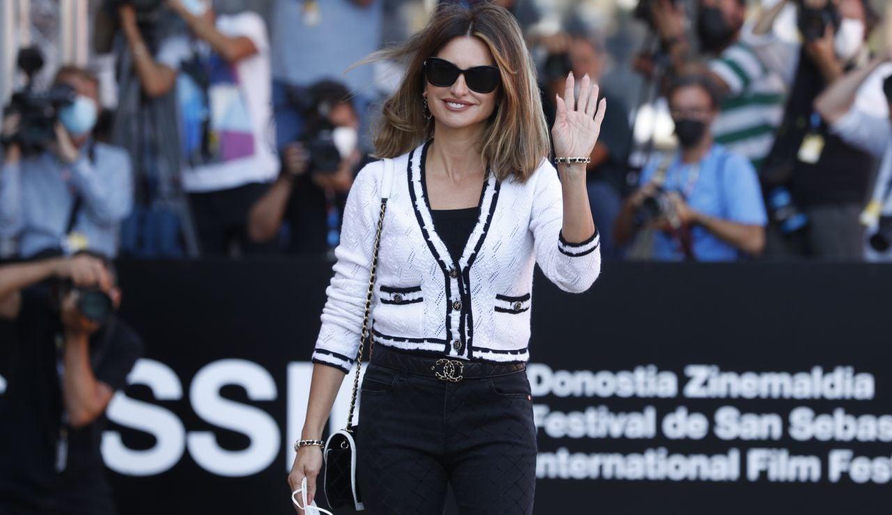 Penélope Cruz, radiante, llega al Festival de Cine de San Sebastián