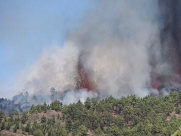 Volcán en La Palma en erupción