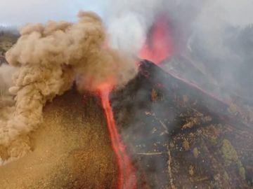 Las espectaculares imágenes del volcán de La Palma en erupción, a vista de dron