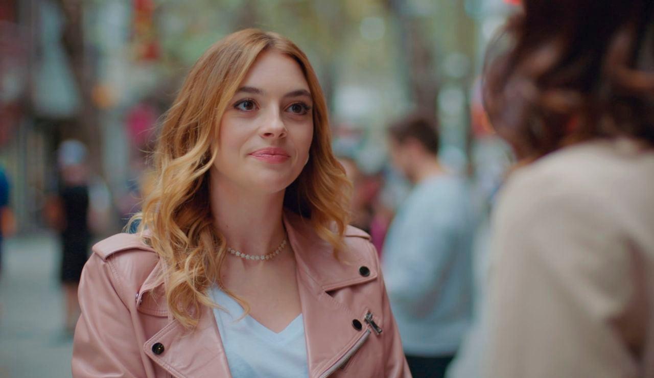 """Derin le abre los ojos a Asya con la infidelidad de Volkan: """"Llevamos juntos dos años"""""""