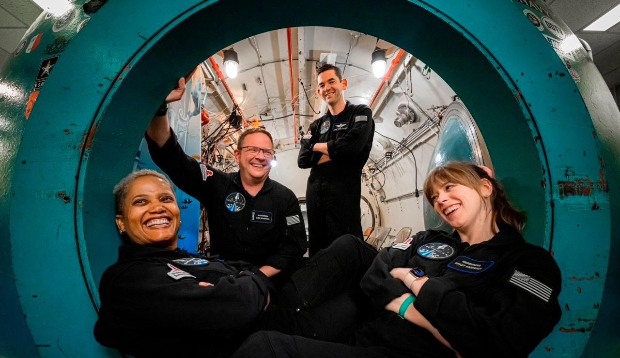 Vuelven a la Tierra los cuatro tripulantes del primer vuelo espacial de astronautas aficionados