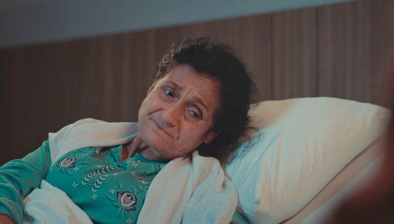 """Asya rompe en pedazos a la madre de Volkan: """"Su hijo ha destrozado este hogar"""""""