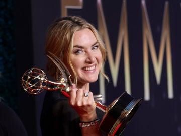 Kate Winslet tras llevarse el Emmy por 'Mare of Easttown'
