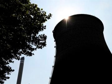 El precio de la luz marca hoy el tercer récord histórico tras subir casi un 5%