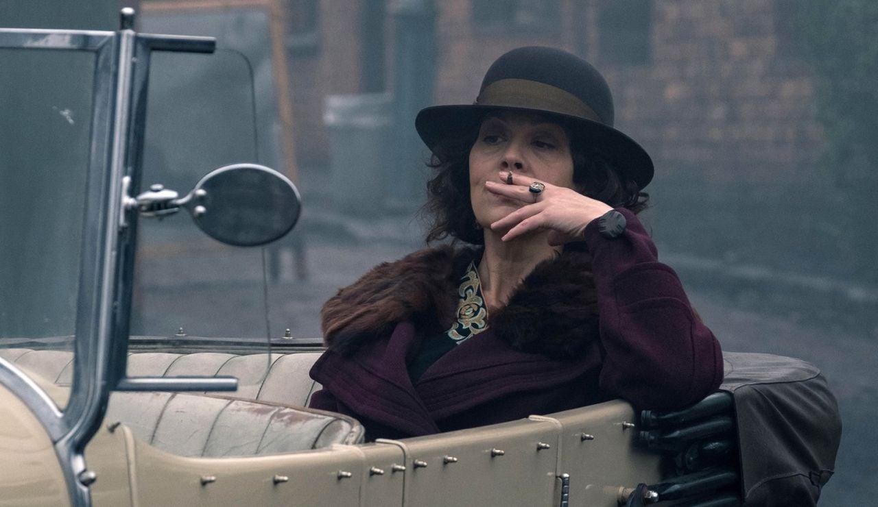 Helen McCrory como Polly Gray en 'Peaky Blinders'