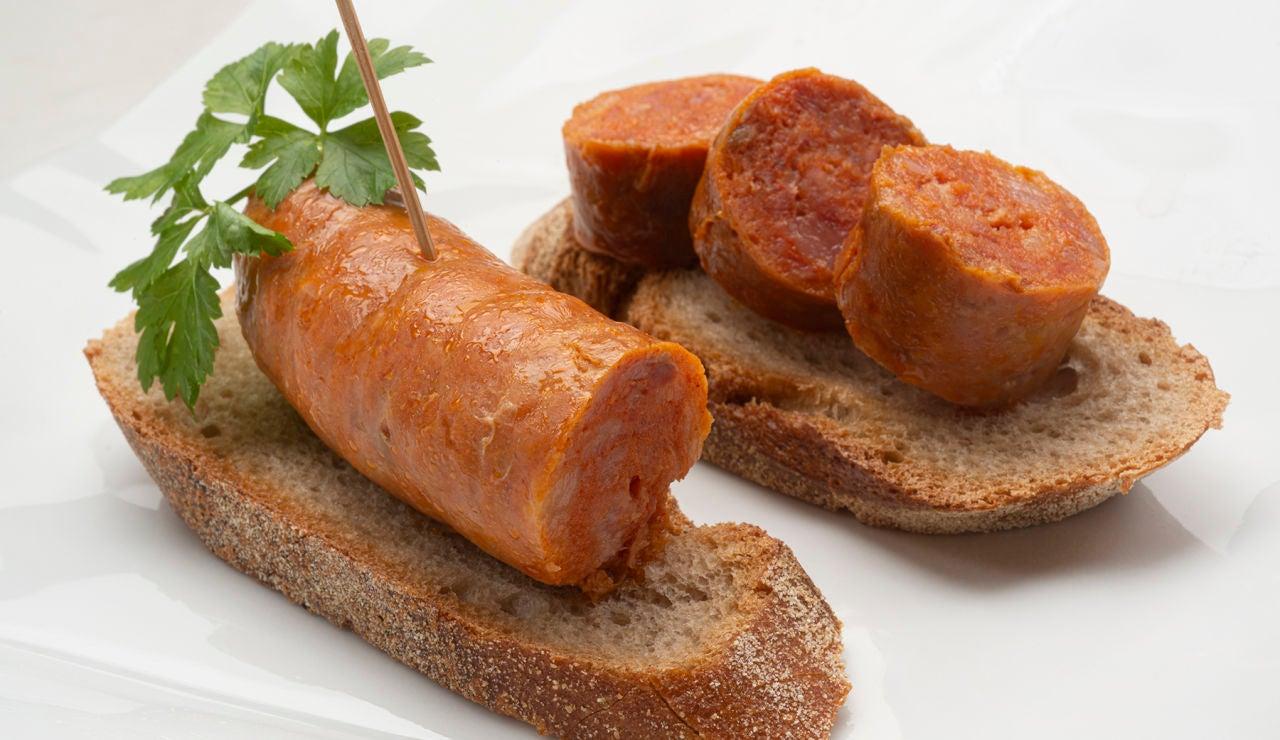 ¡Un aperitivo tentador! Receta de chorizo al txakoli, de Karlos Arguiñano