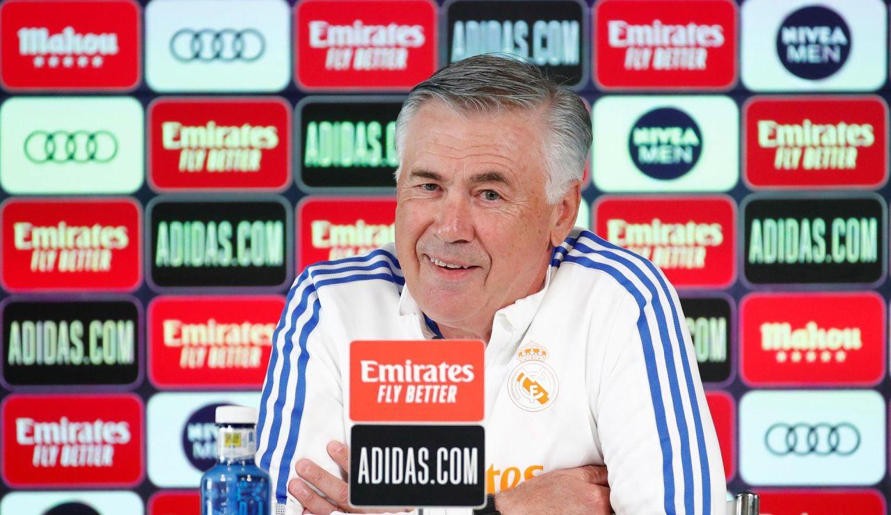 """Carlo Ancelotti: """"Benzema es como el vino; cuanto más viejo, mejor"""""""