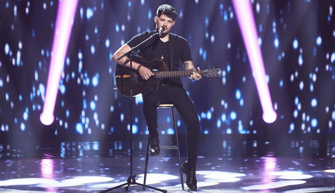 Pablo Hernández canta 'Bachata rosa' en las Audiciones a ciegas de 'La Voz'