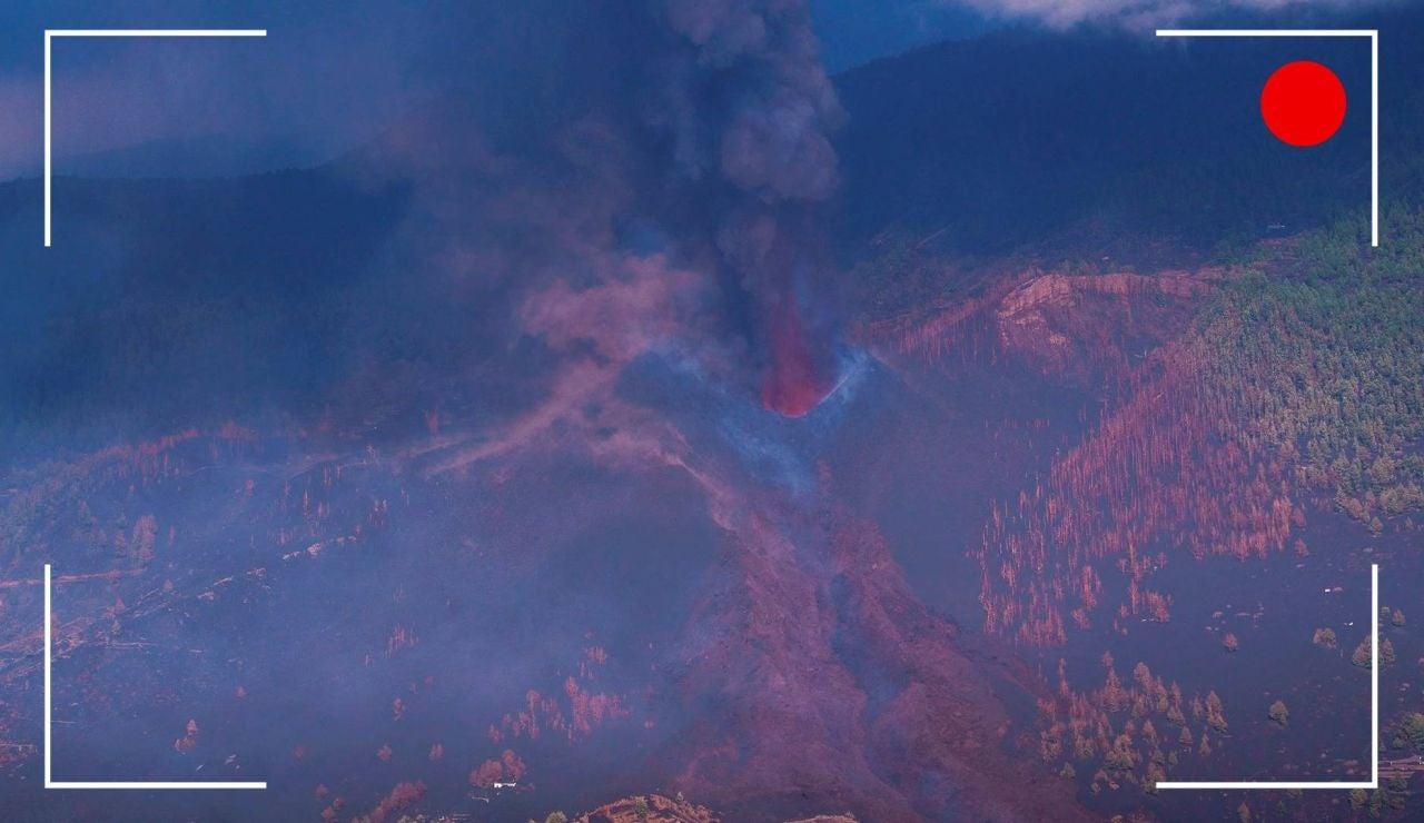 VÍDEO: Recorrido de la lava del volcán de La Palma con dos nuevas bocas , streaming en directoVÍDEO: Recorrido de la lava del volcán de La Palma con dos nuevas bocas , streaming en directo,