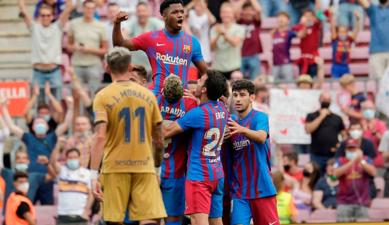 El Barça gana al Levante y el Camp Nou vuelve a sonreír tras la vuelta triunfal de Ansu Fati