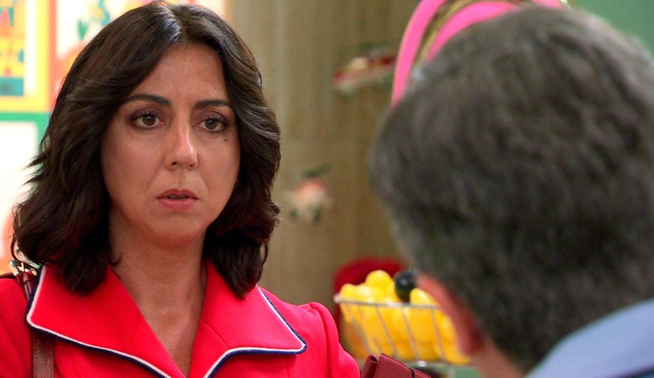 Ismael le confiesa a Penélope su secreto y le pide una oportunidad