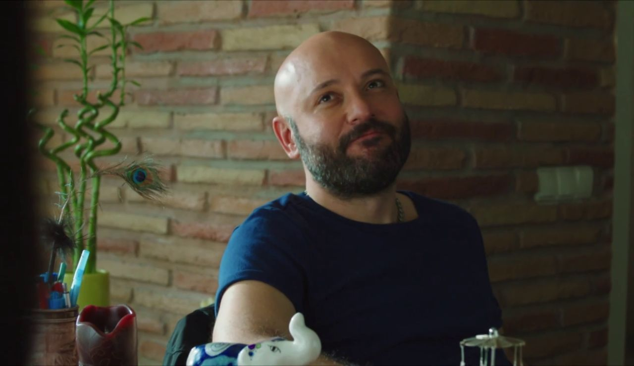 Özkan tiene un plan para conseguir la custodia de Cansu