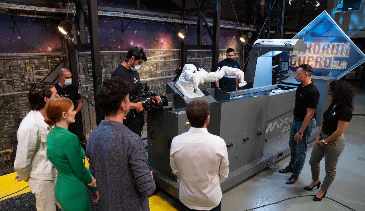 ¡Toda una revolución! El primer robot colaborativo de reciclaje, en funcionamiento en 'El Hormiguero 3.0'