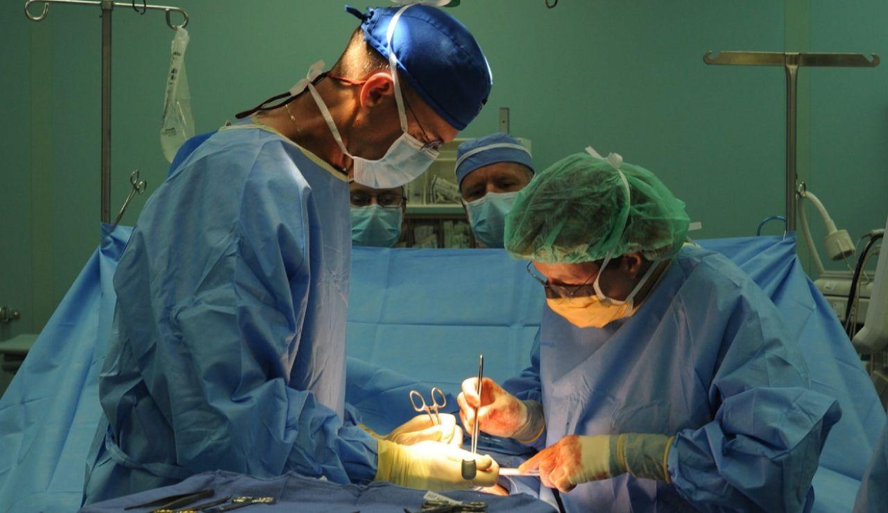 La exitosa fórmula para reparar la válvula cardiaca sin necesidad de operar a corazón abierto