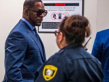 El cantante R. Kelly declarado culpable de crimen organizado y tráfico sexual